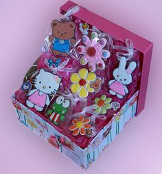 Hello Kitty and friends! Love! CHIC Cuki decorated cookies