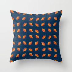 The pattern is inspired by the fallen leaves I'm starting to see on my way to work. I wanted something that had a little bit of motion to it and that would look good on my couch as a pillow.<br/> I hope you like this!