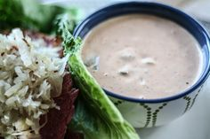 Paleo-friendly thousand island dressing. If you're a thousand island lover, this recipe is for you! Super simple, super quick and super delicious!