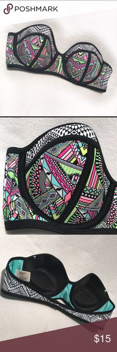 🆕Arizona Jean Co. • Geometric Padded Swimsuit Top NWOT | Geometric Neon Color Design | Strapless | Could Attach Straps | Clasp Back | Padded | Underwire | Shell: 82% Nylon | 18% Spandex | Lining: 100% Polyester |🚫 Trades | More 📸 Upon Request | Ask Any Questions Needed To Help With Decision 🙋🏽| Bundles & Offers Are Welcomed ❤️| Arizona Jean Company Swim Bikinis