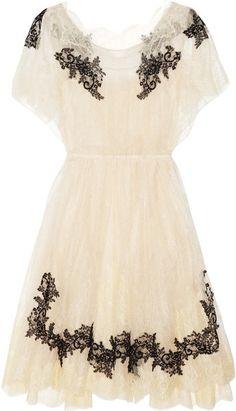 Appliquéd Lace Dress / Valentino