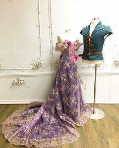 Daddy designer's Rapunzel and Flynn costume Disney Princess Dresses, Princess Costumes, Disney Dresses, Disney Outfits, Prom Dresses, Rapunzel Cosplay, Rapunzel Dress, Tangled Costume, Disney Cosplay