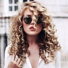 hairstyles for curly hair blonde hair