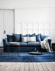 Milo and Mitzy est 2011: Just because - Mix up: LINEN SOFA