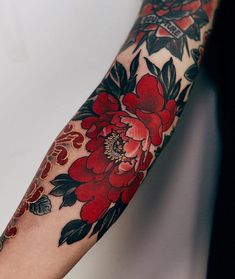 With these 30 awesome extravagant designs you will turn into red tattoos . - You& fall in love with red tattoos with these 30 great extravagant designs - Red Tattoos, Pretty Tattoos, Beautiful Tattoos, Body Art Tattoos, Tatoos, Styles Of Tattoos, Girl Tattoos, Tatoo Henna, Arm Tattoo