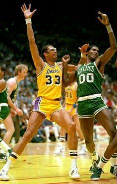 Funny Basketball Memes, I Love Basketball, Basketball History, Basketball Season, Basketball Pictures, Basketball Legends, Basketball Players, Basketball Skills, Lakers Vs Celtics