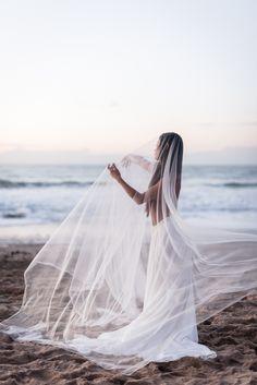A Spirited Editorial Honoring Women Through Modern Dance and a Refreshing Neutral Aesthetic. #bridalinspiration #neturalnudeweddings