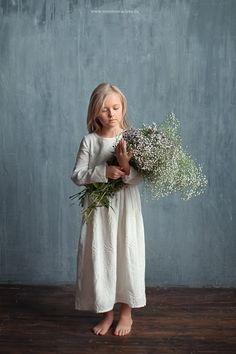 Studio Photography Poses, Kids Fashion Photography, Baby Girl Photography, Conceptual Photography, Children Photography, Fine Art Photography, Portrait Photography, Kids Birthday Photography, Christmas Photography