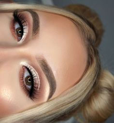neutral soft brown eye makeup look tutorial for the fall – green makeup – – Make Up Orange Eye Makeup, Neutral Eye Makeup, Neutral Eyes, Green Makeup, Black Makeup, Smokey Eye Makeup, Eyeshadow Makeup, Eyeshadow Palette, Pink Eyeshadow