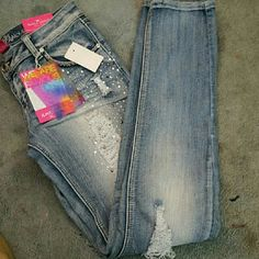 Cute distressed jeans Almost Famous ripped jeans. Super cute and stylish. Never worn and in great condition. It's a size 9 in juniors. Almost Famous Jeans Skinny