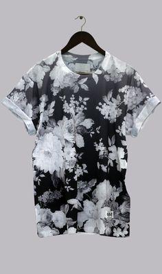 Polo de flores blanco y negro.