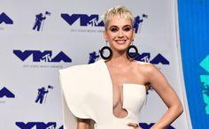 速報MTVビデオミュージックアワード2017今年のベストドレッサーは誰の手に