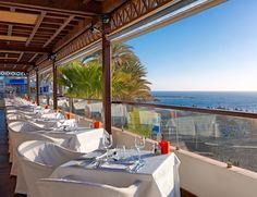 Restaurante El Mirador à la carte grill. Espectacular terraza con vistas al mar.