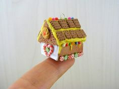 mini gingerbread house by julie