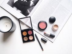 MAC makeup starter kit, featuring some of my favourite products from the brand!