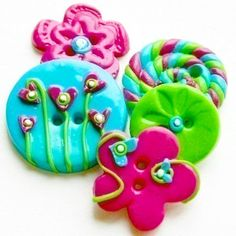 Posh Posies handmade buttons set of 5 by TessaAnn on Etsy, $12.00