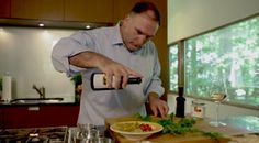 #JoseAndres Shows You How To Use His Products - Discover more: http://www.finedininglovers.com/blog/curious-bites/jose-andres-foods-video/