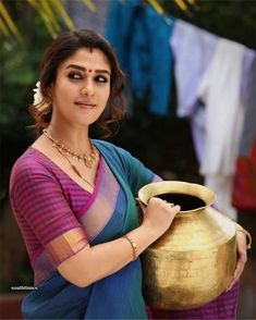 Daily Use Simple Blouse Designs - Indian Fashion Ideas Traditional Blouse Designs, Simple Blouse Designs, Saree Blouse Designs, South Indian Actress Hot, Most Beautiful Indian Actress, Nayanthara In Saree, Saree Poses, Silk Sarees Online Shopping, Saree Hairstyles