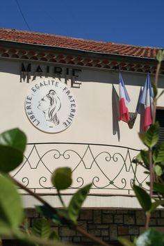 Hôtel de Ville, La Colle-sur-Loup #lacolle #mairie Old Stone, City Office, Wolves
