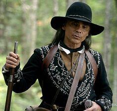 Longmire Tv Series, Walt Longmire, Native American Actors, American Indians, Zahn Mcclarnon, Indian Man, Local History, Native Art, Historical Clothing