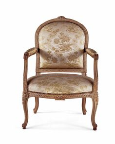 Chair at Queen chassis Paris, 1765  Beech carved, painted