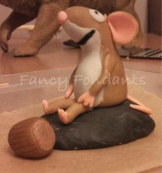 Little brown mouse from the Gruffalo cake Gruffalo Party, The Gruffalo, Woodland Cake, Woodland Party, Birthday Party Decorations, Birthday Parties, 3rd Birthday Cakes, Bday Girl, Fondant Toppers