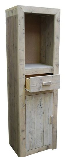 Steigerhout -- Don't know where this image came from. Depending on the dimensions you use, this could fit just about anywhere. Primitive Furniture, Pallet Furniture, Home Furniture, Reclaimed Wood Mirror, Old Wood, Barn Wood Projects, Pallet Projects, Scaffolding Wood, Homemade Furniture