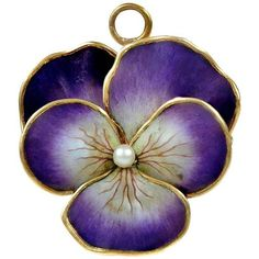 Preowned Antique Enamel Pearl Gold Pansy Pin Pendant (16.430 DKK) ❤ liked on Polyvore featuring jewelry, pendants, necklaces, flowers, brooches, multiple, 14k yellow gold pendant, gold pendant, 14 karat gold jewelry and leaf pendant