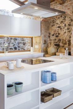luxury mediterranean homes Home Interior, Bathroom Interior, Kitchen Interior, Kitchen Design, Ibiza, Greek Decor, Modern Mediterranean Homes, Mediterranean Architecture, Shabby Chic Porch