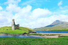 """Stop breathing if I don't see you anymore... S c o t l a n d ❤️ #thisisscotland #scotlandspirit #lovescotland #visitscotland #scotland #fotografi_amo #cattura_istanti #ardvreckcastle #xoxo #nature #travelblogger #beautiful #insta_scotland"" by @lilypadd91 (I m p o s s i b l e  G i r l 🍁). #turismo #instalife #ilove #madeinitaly #italytravel #tour #passportready #instavacation #natgeotravel #mytinyatlas #traveldeeper #travelawesome #travelstoke #travelwriter #lonelyplanet #instalive…"