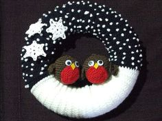 Crochet Patterns Christmas crochet winter wreath… – By Helen Crochet Christmas Wreath, Crochet Wreath, Crochet Diy, Christmas Crochet Patterns, Xmas Wreaths, Christmas Knitting, Crochet Gifts, Winter Wreaths, Yarn Wreaths
