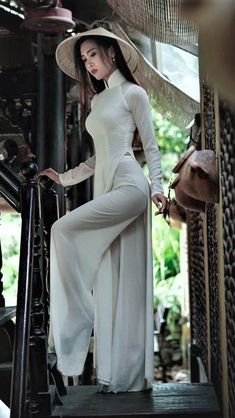 Image gallery – Page 574349758726572681 – Artofit Vietnamese Traditional Dress, Vietnamese Dress, Traditional Dresses, Ao Dai Vietnam, Vietnam Girl, Pretty Asian, Beautiful Asian Women, Fashion Gallery, Sexy Asian Girls