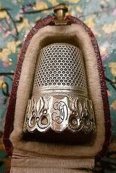 Beautiful Antique Thimble and Case.