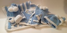 Free Pattern for whole baby outfit w/ blanket