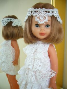 Nancy. flaper                                                                                                                                                     Más Girl Doll Clothes, Girl Dolls, Nancy Doll, Spanish Girls, American Girl Crafts, Barbie Accessories, To My Daughter, Flower Girl Dresses, Glamour