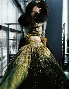 Christian Dior Haute Couture by John Galliano, photographed by Ruven Afanador for Vogue Paris, 1999 Christian Dior, Christian Clothing, John Galliano, Vogue Paris, High Fashion, Fashion Show, Fashion Design, Timeless Fashion, Runway Fashion