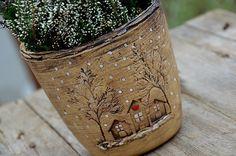 Květináč s skladem! Ceramic Lantern, Ceramic Vase, Ceramic Pottery, Pottery Pots, Gourd Art, Air Dry Clay, Red Berries, Clay Projects, Clay Art