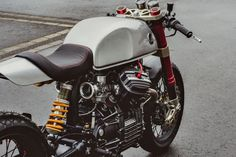 Honda CX500 Cafe Racer by Sacha Lakic Design #motorcycles #caferacer #motos | caferacerpasion.com