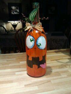 Pumpkin and Frankenstein wine Fall Wine Bottles, Halloween Wine Bottles, Wine Bottle Art, Diy Bottle, Hand Painted Wine Glasses, Painted Wine Bottles, Lighted Wine Bottles, Adornos Halloween, Halloween Crafts