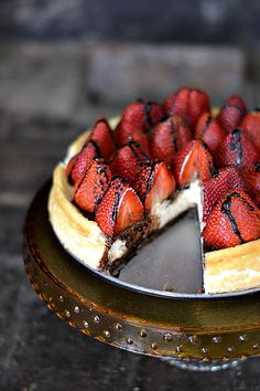 Bakeaholic Mama: Black Bottomed Balsamic Strawberry Cheesecake