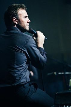 Gary Barlow and a very lucky mic!!