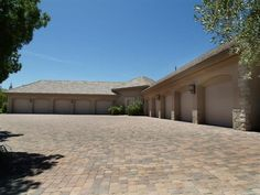 thats the one..... I need this much garage space....plus the driveway is pretty sweet