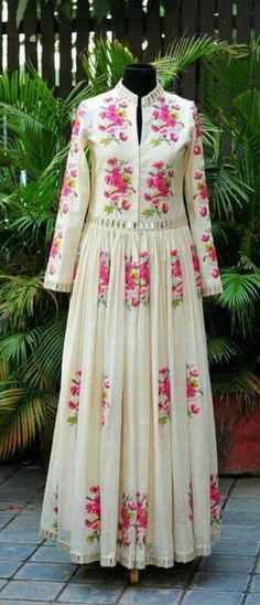 #PartyWearGownOnline #DesignerGownSale #LatestGownShopping #StylishGownSale Maharani Designer Boutique  To buy it click on this link :  http://maharanidesigner.com/?product=Buy-Gown-in-india Fabric - cool mool  Machine work  Rs. 9800 For any more information contact on WhatsApp or call 8699101094 Website www.maharanidesigner.com