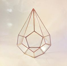 New! Golden Teardrop Stained Glass Terrarium / Geometric Terrarium / Rustic Mini Greenhouse / Tiny Garden Planter / Modern Glasshouse door MuditaCrafts op Etsy https://www.etsy.com/nl/listing/254796111/new-golden-teardrop-stained-glass