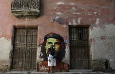 It is a sad reflection of our time that Che Guevara is seen as a hero Cuba Pictures, Pictures Of The Week, Castro Cuba, Che Guevara, Cuban Culture, Pink Martini, Cuba Travel, Street Art Graffiti, Windows