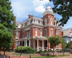Huge and gorgeous 1880 Nisbet House in the Riverside Historic District of Evansville IN