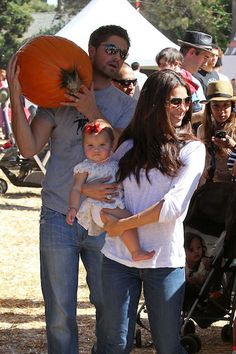 Roselyn Sanchez dotes over baby daughter Sebella as she takes her pumpkin shopping for her first Halloween with husband Eric Winter Eric Winter, Roselyn Sanchez, Michelle Trachtenberg, Carey Mulligan, First Halloween, Zoe Saldana, Jessica Biel, Celebs, Celebrities