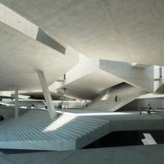 concourse ( Warsaw MoMA )