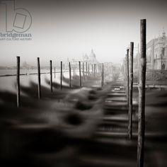 Gondola - Study 8 Venice, Italy, 2013 (b/w photo) / Photo © Ronny Behnert / Bridgeman Images