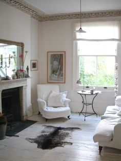Film Location House-Tall Georgian House with light rooms, antiques and mixed pieces, and a long establish garden in SW London Living Room Chairs, Home Living Room, Slipcovers For Chairs, Slipcover Chair, Paris Home, Morris, Georgian Homes, European House, Colorful Chairs